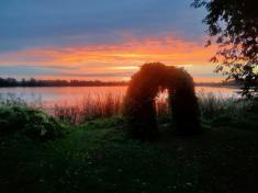 Západ slunce nadrybníkem
