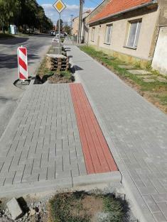 Výstavba nového chodníku Osvobození
